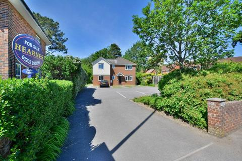 2 bedroom apartment for sale - Wimborne Road East, Ferndown, BH22 9NH