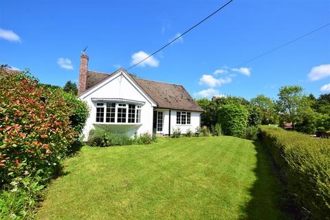 3 bedroom detached bungalow to rent - Poole Street, Cavendish