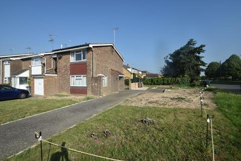 2 bedroom end of terrace house for sale - Rushleydale, Chelmsford, CM1 6JX