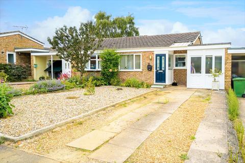 2 bedroom semi-detached bungalow for sale - The Poplars, Bluntisham