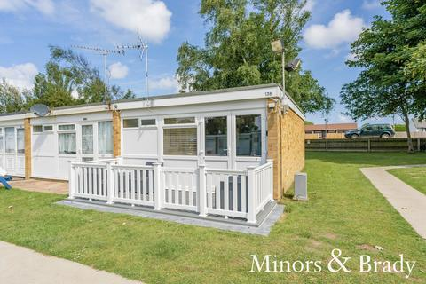 2 bedroom park home for sale - Beach Road, Hemsby
