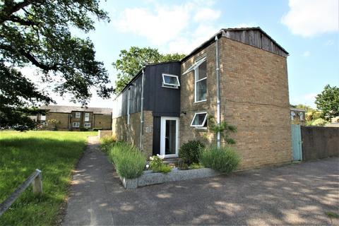3 bedroom semi-detached house for sale - Foxglove Walk, Crawley