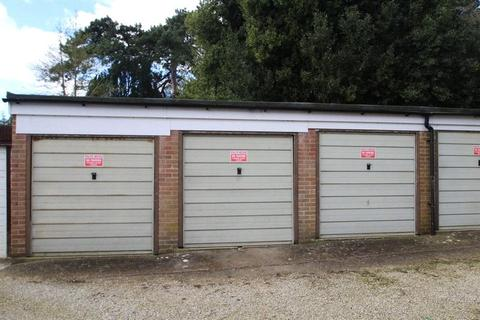 Garage to rent - The Square, Angmering, Littlehampton, West Sussex