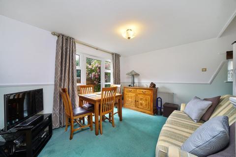 2 bedroom flat for sale - Rainhill Way, London E3