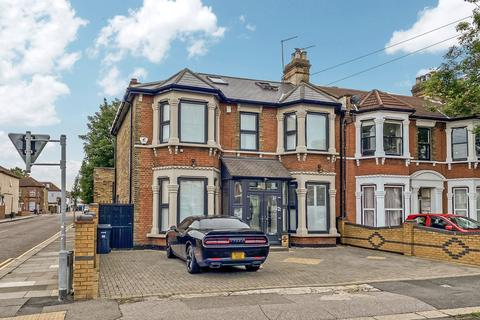 3 bedroom end of terrace house for sale - Belgrave Road, ILFORD, IG1