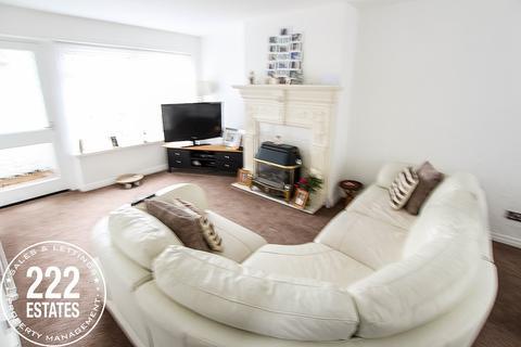 3 bedroom semi-detached house to rent - Worsborough Avenue, Great Sankey, Warrington, WA5