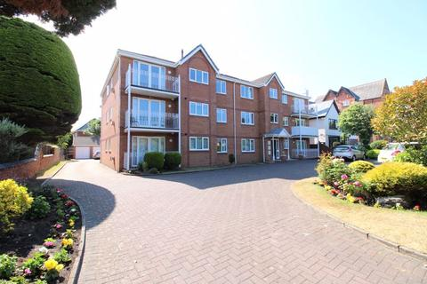 2 bedroom apartment for sale - 51 Lulworth Road, Southport
