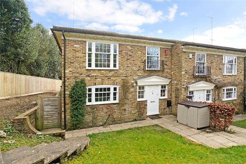 3 bedroom semi-detached house for sale - Greenwood Close, Seer Green, Beaconsfield, Buckinghamshire, HP9