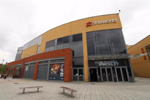 Retail property (high street) to rent - The Crescent, Hinckley, Leicestershire
