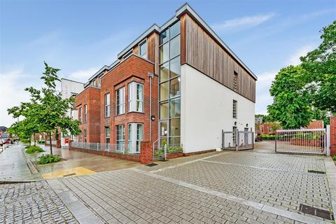 1 bedroom flat for sale - Liberty House, Kingston Road, London