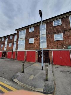 1 bedroom flat to rent - Thornhill Gardens, Barking