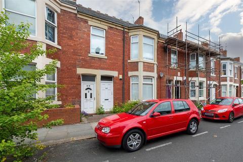 3 bedroom flat for sale - King John Terrace, Heaton NE6