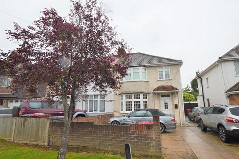3 bedroom semi-detached house for sale - Stoke Poges Lane, Slough