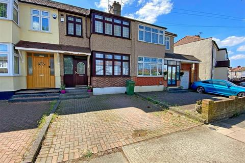 3 bedroom terraced house for sale - Shelley Avenue, Hornchurch
