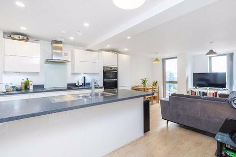 2 bedroom flat for sale - Bedford Road, Clapham