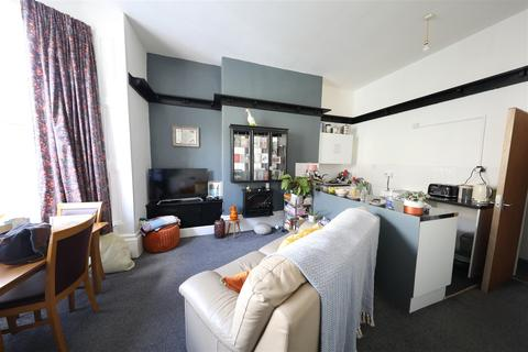 5 bedroom apartment for sale - Albany Street, Hull