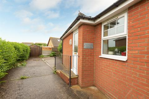 2 bedroom semi-detached bungalow for sale - Cliff Road, Birchington