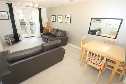 2 bedroom flat to rent - Mill Pond Gardens, Winker Green, Stanningley Road, LS12
