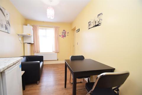 1 bedroom flat to rent - Sutton Lane, Hounslow
