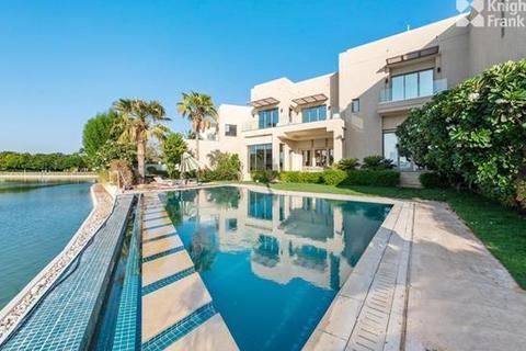 6 bedroom villa - Sector P, Emirates Hills, Dubai