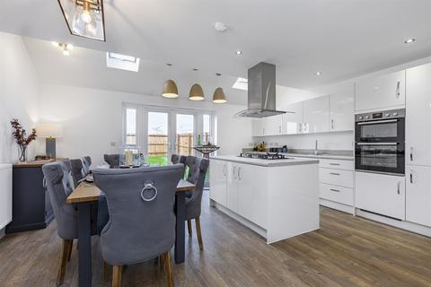 4 bedroom house for sale - Plot 049, The Melford at Elms Croft, Blunden Close CO10