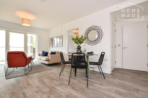 1 bedroom flat to rent - Millet Place, Royal Docks, E16