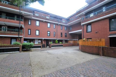 3 bedroom apartment for sale - New Chapel Square, Feltham