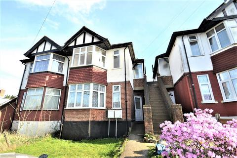 2 bedroom flat to rent - Tanfield Avenue, London, NW2