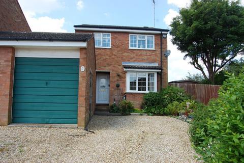 3 bedroom detached house for sale - Sears Close, Flore, Northampton NN7 4NN
