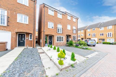 4 bedroom semi-detached house for sale - Sherwood Walk, Middleton, Leeds