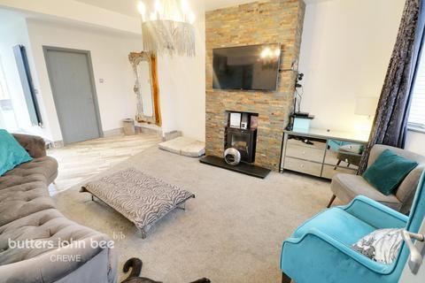 4 bedroom semi-detached house for sale - Sydney Road, Crewe
