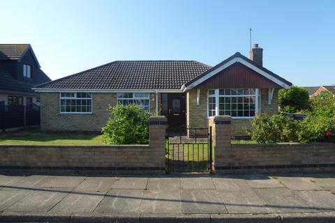 3 bedroom detached house for sale - Waldorf Road, Cleethorpes, DN35 0QD