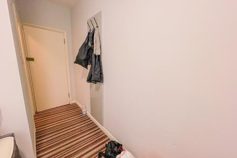 Studio to rent - Prince's Square, Bayswater W2