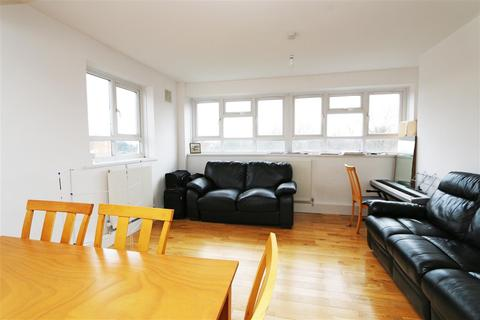 3 bedroom apartment to rent - Southmead Road, Southfields