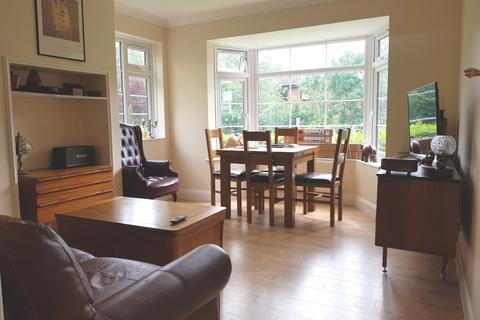 3 bedroom flat to rent - Featherstone Court, Bunns Lane, Mill Hill, NW7