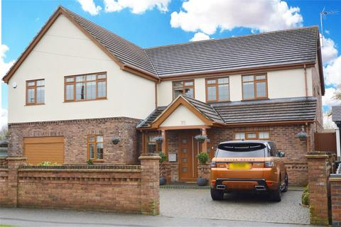 6 bedroom detached house for sale - Wyatts Drive, Southend-On-Sea, SS1