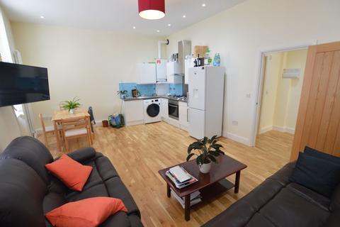 2 bedroom flat to rent - Lea Bridge Road, Leyton, E10