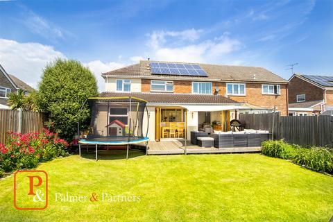 4 bedroom semi-detached house for sale - Winstree Close, Layer-De-La-Haye, Colchester, CO2