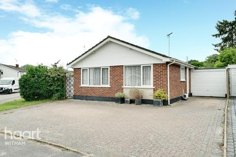 3 bedroom detached bungalow for sale - Gimson Close, Witham