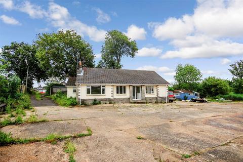 3 bedroom detached bungalow for sale - Sandy Lane, UPTON, Poole, Dorset