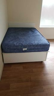 Flat to rent - Hyde Road, Ardwick, Manchester, Greater Manchester