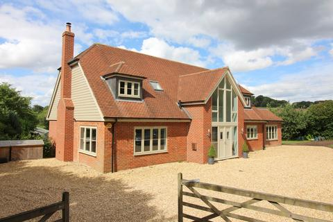 5 bedroom detached house for sale - Petersfield Road, Ropley, Alresford