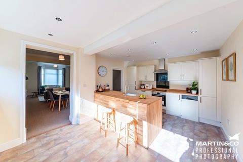 3 bedroom semi-detached house for sale - Kensington Place, Newport