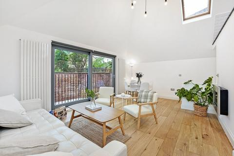 2 bedroom detached house for sale - Blandfield Road, London, SW12