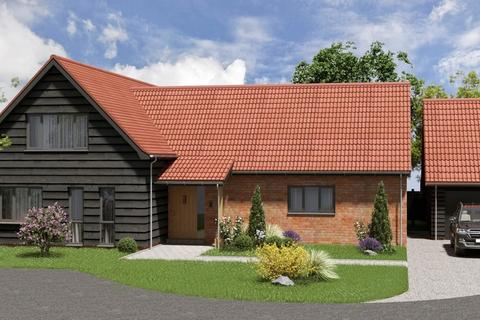 4 bedroom chalet for sale - Old Green Farm, Westerfield, IP6 9BE