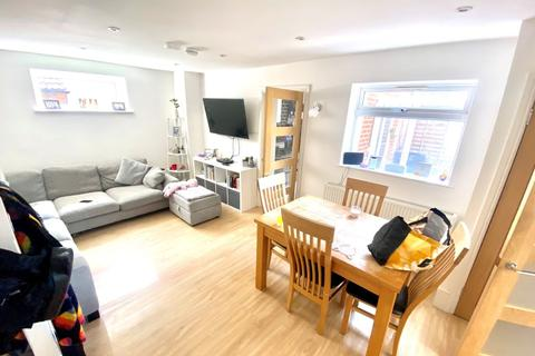 3 bedroom terraced house for sale - Holmes Court, The Siblings, Kanes Hill, Southampton, Hampshire, SO19 6AH
