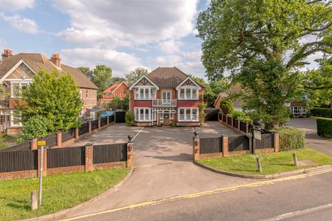 14 bedroom detached house for sale - Church Road, Horley, RH6