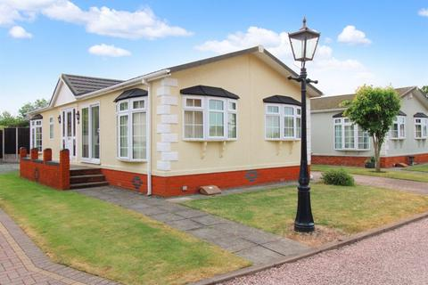 3 bedroom park home for sale - Doxey