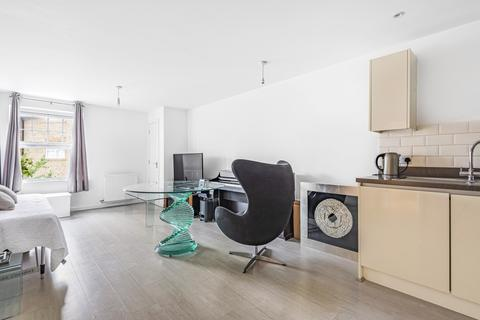 2 bedroom flat for sale - Wells View Drive Bromley BR2