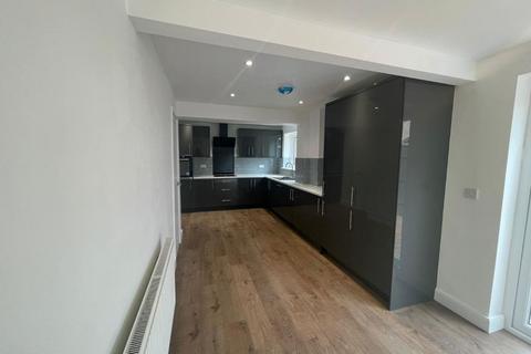 3 bedroom semi-detached house to rent - Amesbury Crescent, Hemlington, Middlesbrough